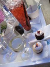 Mini-cupcakes and wine!